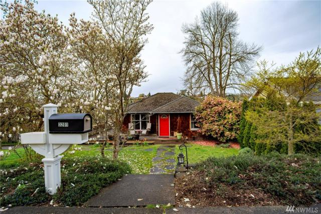 3201 31st Ave W, Seattle, WA 98199 (#1271414) :: The Snow Group at Keller Williams Downtown Seattle
