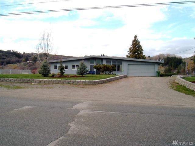 636 Ridge Dr W, Omak, WA 98841 (#1272791) :: Carroll & Lions