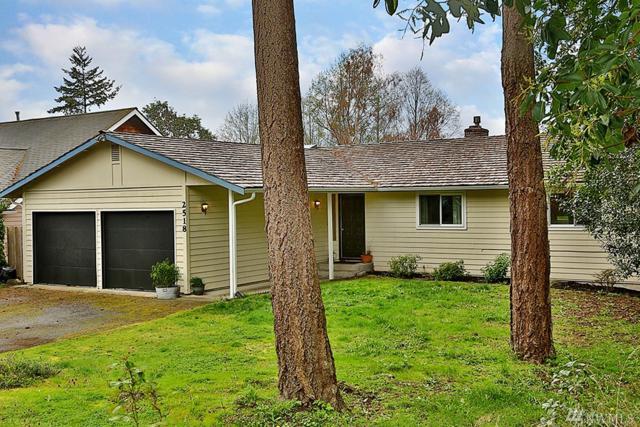 2518 Hillis Dr, Langley, WA 98260 (#1272878) :: Real Estate Solutions Group