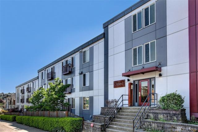 3661 Phinney Ave N #108, Seattle, WA 98103 (#1272948) :: Kwasi Bowie and Associates
