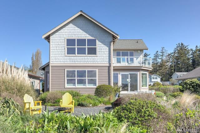 1106 Landing Cir, Oak Harbor, WA 98277 (#1274132) :: Morris Real Estate Group