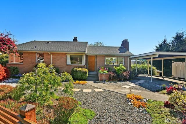 2654 Bishop Place W, Seattle, WA 98199 (#1276137) :: Carroll & Lions