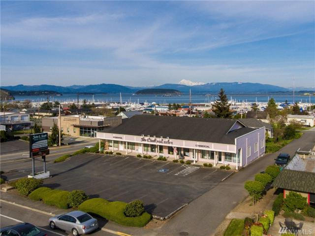 3201 Commercial Ave, Anacortes, WA 98221 (#1278907) :: Pettruzzelli Team