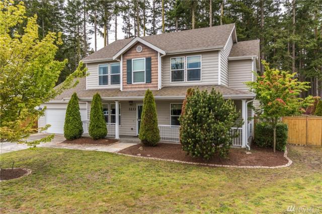 1233 NW Lola Terrace, Oak Harbor, WA 98277 (#1283000) :: Ben Kinney Real Estate Team