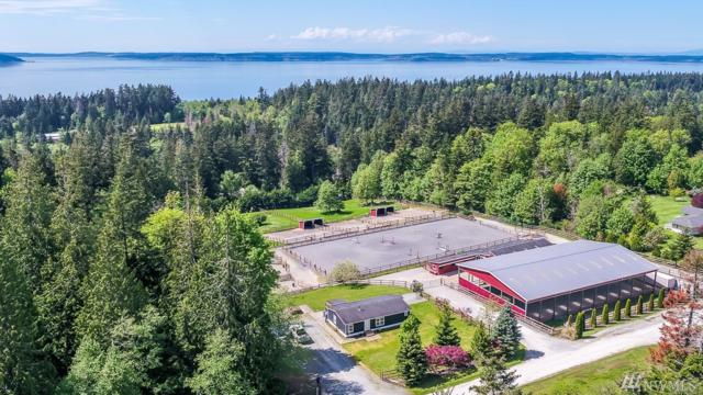 429 Tradewind Lane, Camano Island, WA 98282 (#1287976) :: The Home Experience Group Powered by Keller Williams