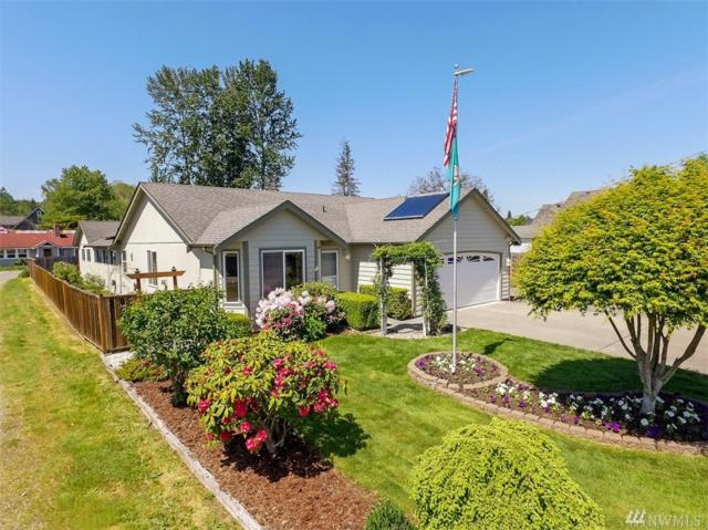908 16th St SW, Puyallup, WA 98371 (#1291689) :: Homes on the Sound