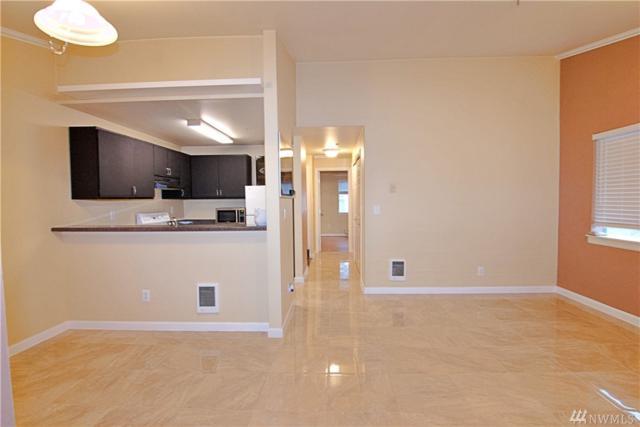 1900 NE 48th St D301, Renton, WA 98056 (#1293671) :: Ben Kinney Real Estate Team