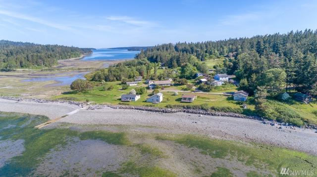 10 Beach Dr, Nordland, WA 98358 (#1295080) :: Real Estate Solutions Group