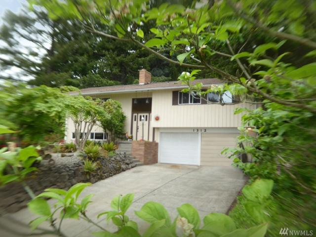 1312 SE Washington Ave, Chehalis, WA 98532 (#1295857) :: Homes on the Sound