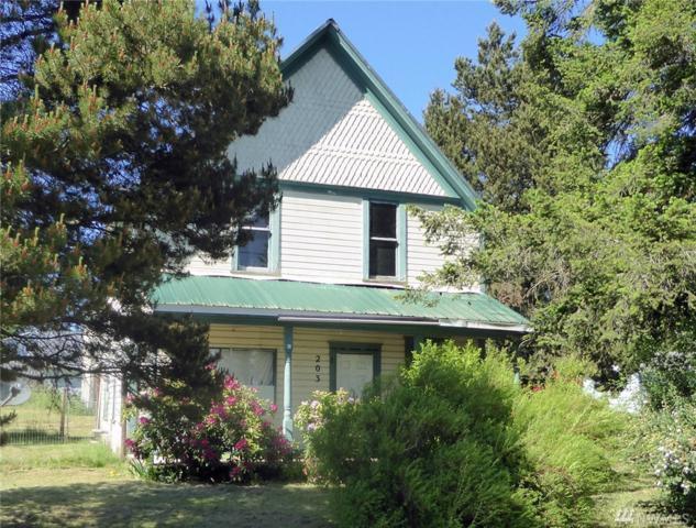 203 Harris St, Oakville, WA 98568 (#1300217) :: Homes on the Sound