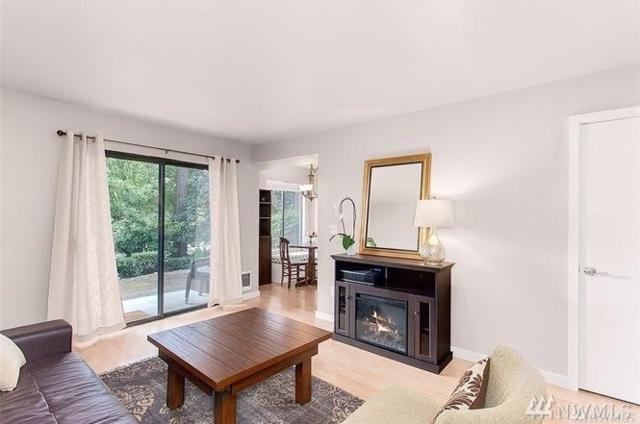 6734 112th Ave Ne 1A, Kirkland, WA 98033 (#1301758) :: Real Estate Solutions Group