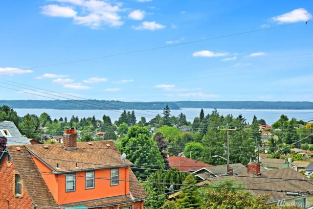 4557 45th Ave SW #301, Seattle, WA 98116 (#1302398) :: The DiBello Real Estate Group