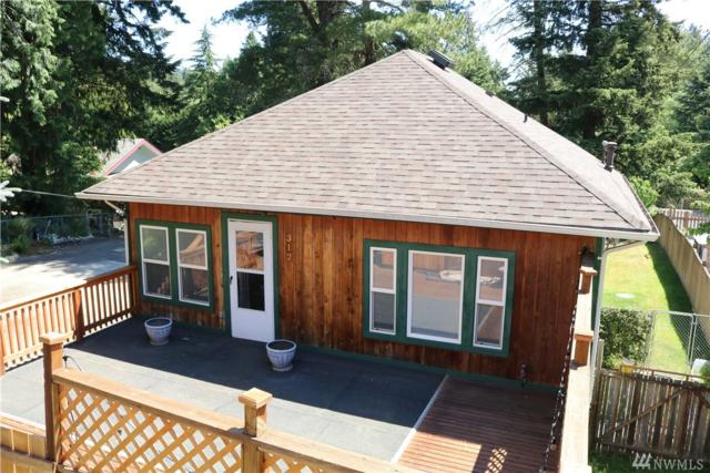 312 Charlotte Ave W, Bremerton, WA 98312 (#1302563) :: Real Estate Solutions Group