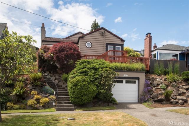 2107 26th Ave W, Seattle, WA 98199 (#1308889) :: Keller Williams Realty