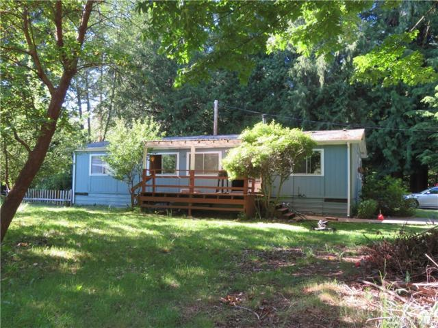 2718 Fox St, Camano Island, WA 98282 (#1312852) :: Real Estate Solutions Group
