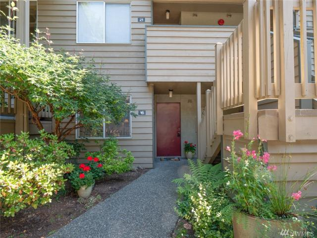 260 Newport Wy NW C-16, Issaquah, WA 98027 (#1314145) :: Real Estate Solutions Group