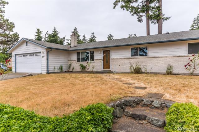 237 NW Fairhaven Dr, Oak Harbor, WA 98277 (#1316499) :: Real Estate Solutions Group