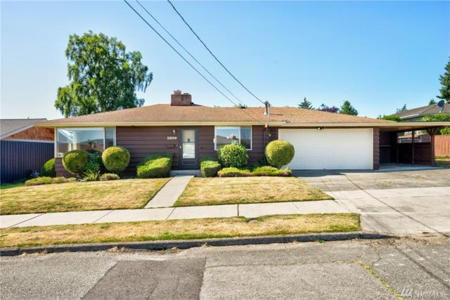 1309 27th St, Anacortes, WA 98221 (#1319941) :: Ben Kinney Real Estate Team