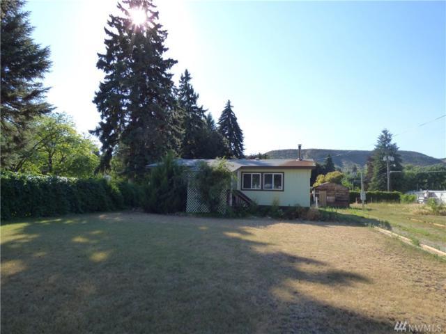 6 N Locust Ave, Tonasket, WA 98855 (#1325326) :: Keller Williams Realty Greater Seattle