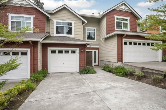 5531 Lakemont Blvd SE #202, Bellevue, WA 98006 (#1325458) :: Keller Williams Everett