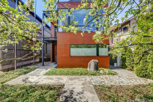2205 41st Ave SW, Seattle, WA 98116 (#1326445) :: Canterwood Real Estate Team