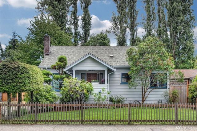 1035 NE 92nd St, Seattle, WA 98115 (#1326777) :: The Mike Chaffee Team
