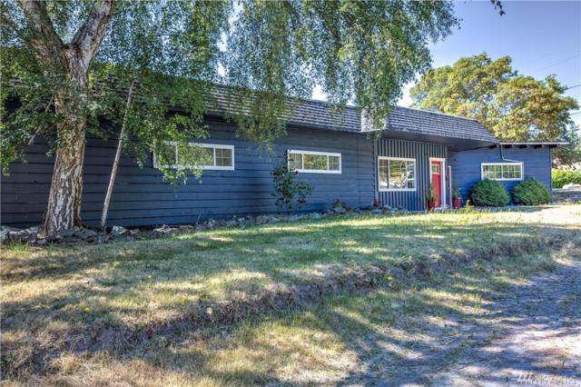 1303 Orchard Loop, Oak Harbor, WA 98277 (#1328051) :: Keller Williams Western Realty