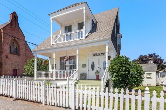 2017 26th St, Everett, WA 98201 (#1330155) :: Chris Cross Real Estate Group