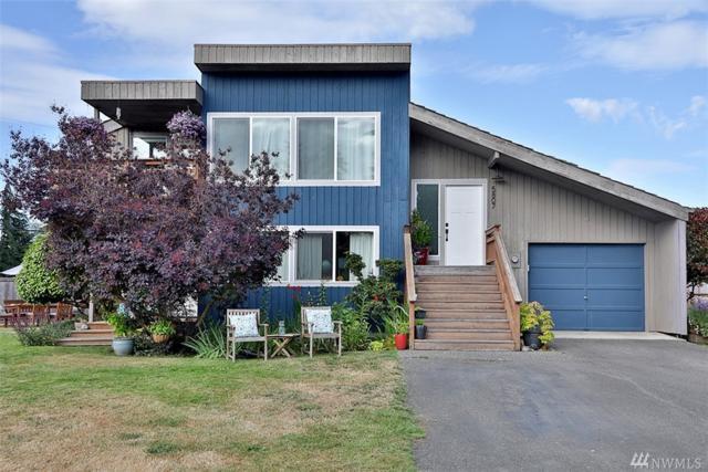 5807 Viking Place, Langley, WA 98260 (#1331692) :: Keller Williams Everett
