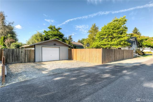 1204 18th St NW, Puyallup, WA 98371 (#1331904) :: Priority One Realty Inc.