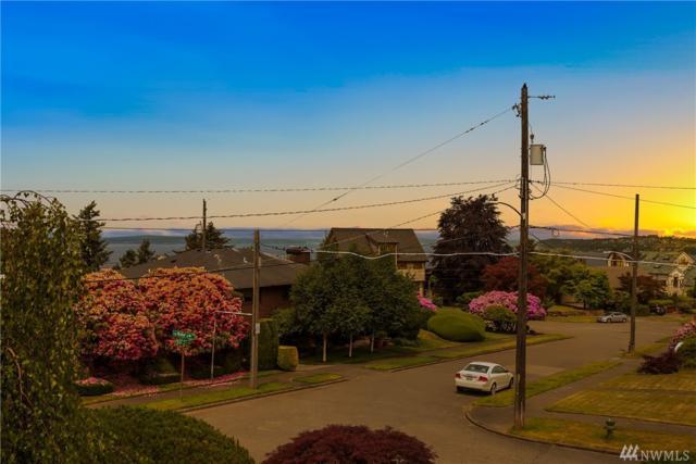 2208 50th Ave SW, Seattle, WA 98116 (#1335411) :: Brandon Nelson Partners