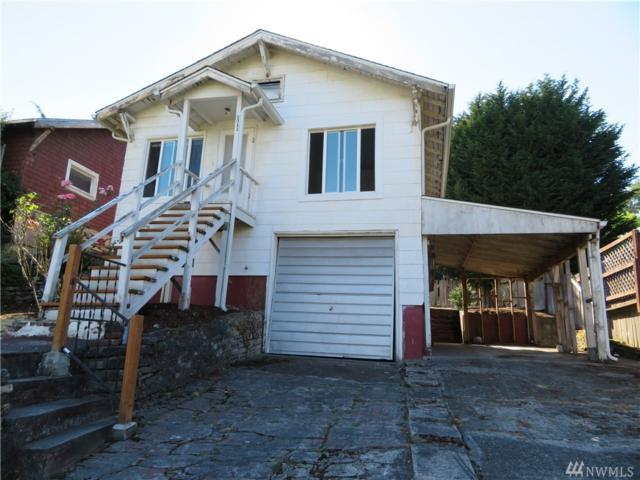 3311 30th Ave SW, Seattle, WA 98126 (#1335433) :: The DiBello Real Estate Group