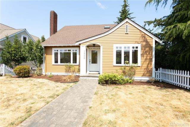 1606 8th St, Anacortes, WA 98221 (#1337337) :: Keller Williams - Shook Home Group