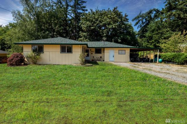 881 Walker Ave, Oak Harbor, WA 98277 (#1341114) :: Homes on the Sound