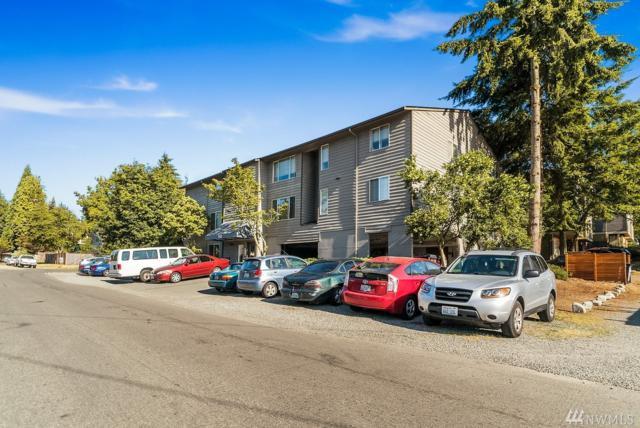 950 N 107th St, Seattle, WA 98133 (#1343855) :: Keller Williams - Shook Home Group