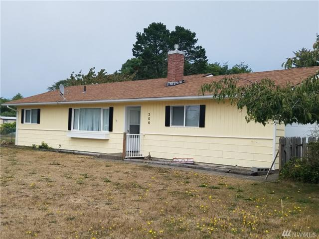 206 19th St SE, Long Beach, WA 98631 (#1343992) :: Keller Williams Everett