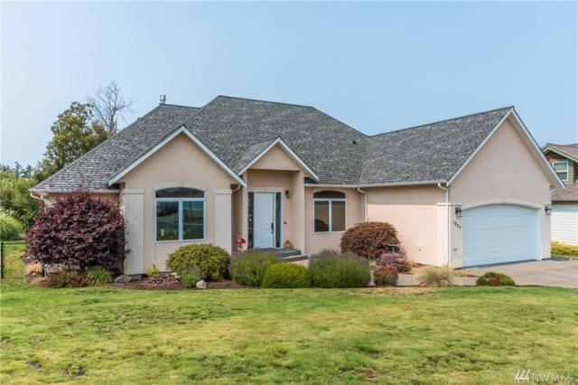 1827 SW Waterside Ct, Oak Harbor, WA 98277 (#1344566) :: Keller Williams Everett