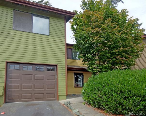690 NW Atalanta Wy B3, Oak Harbor, WA 98277 (#1344870) :: Keller Williams Everett
