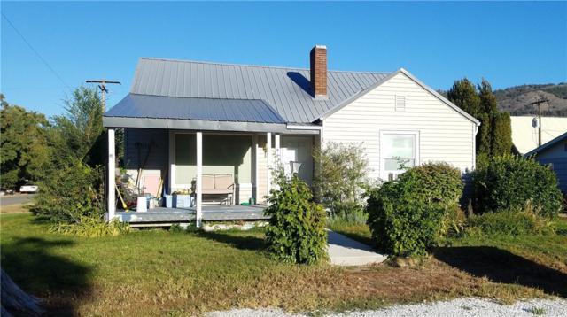 921 Golden St, Oroville, WA 98844 (#1345089) :: The Vija Group - Keller Williams Realty