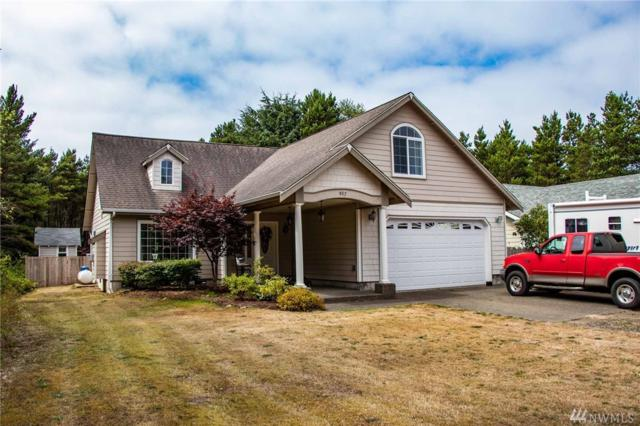 907 Surf, Westport, WA 98595 (#1345241) :: Homes on the Sound