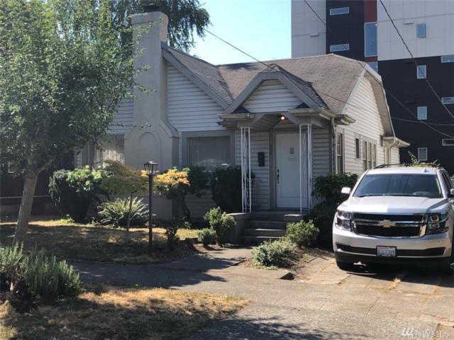 835 NE 68th St, Seattle, WA 98115 (#1345527) :: The Vija Group - Keller Williams Realty