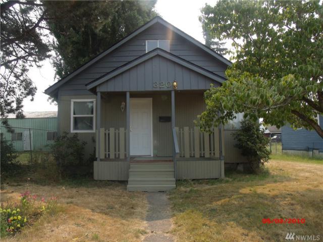 320 25th Ave, Longview, WA 98632 (#1346755) :: The Vija Group - Keller Williams Realty