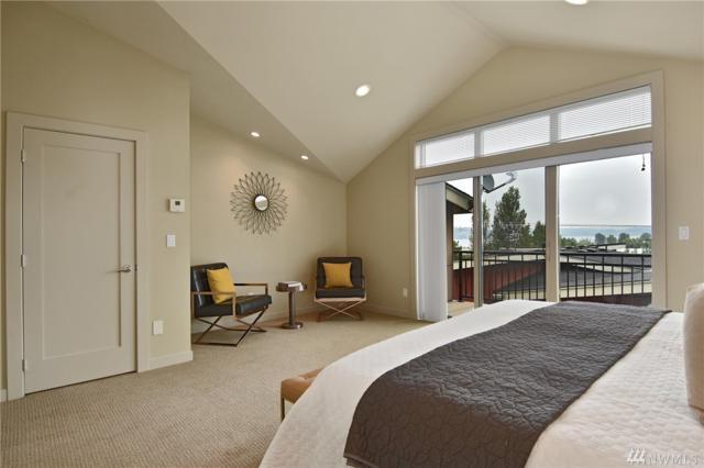 7746 Sand Point Way NE A, Seattle, WA 98115 (#1347810) :: The DiBello Real Estate Group