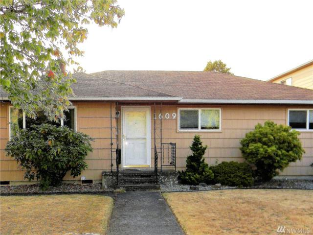 1609 10th Avenue, Longview, WA 98632 (#1348276) :: Canterwood Real Estate Team