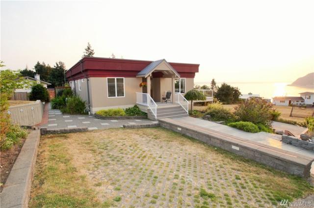 8326 Bayshore Dr, Clinton, WA 98236 (#1348321) :: Homes on the Sound