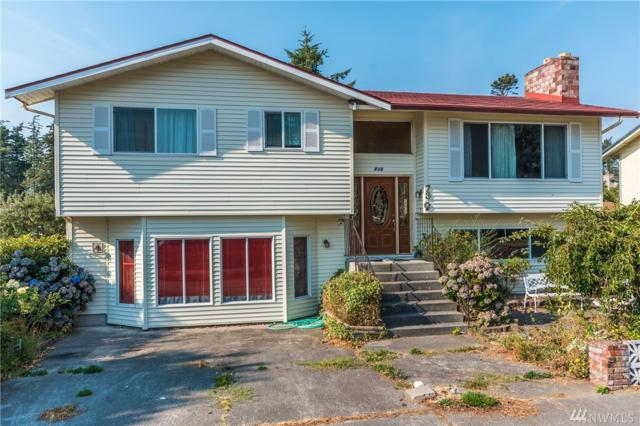 730 NW Dory Dr, Oak Harbor, WA 98277 (#1348907) :: Real Estate Solutions Group