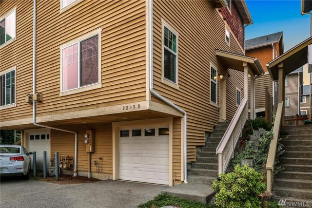 9203 Interlake Ave N B, Seattle, WA 98103 (#1349087) :: Better Homes and Gardens Real Estate McKenzie Group