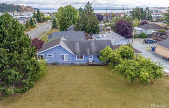 1117 16th St, Anacortes, WA 98221 (#1352114) :: The Torset Team