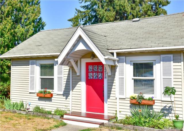 1228 NE 97th St, Seattle, WA 98115 (#1352198) :: KW North Seattle