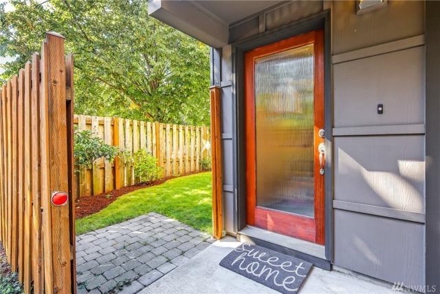 5940 California Ave SW A, Seattle, WA 98136 (#1352790) :: Ben Kinney Real Estate Team